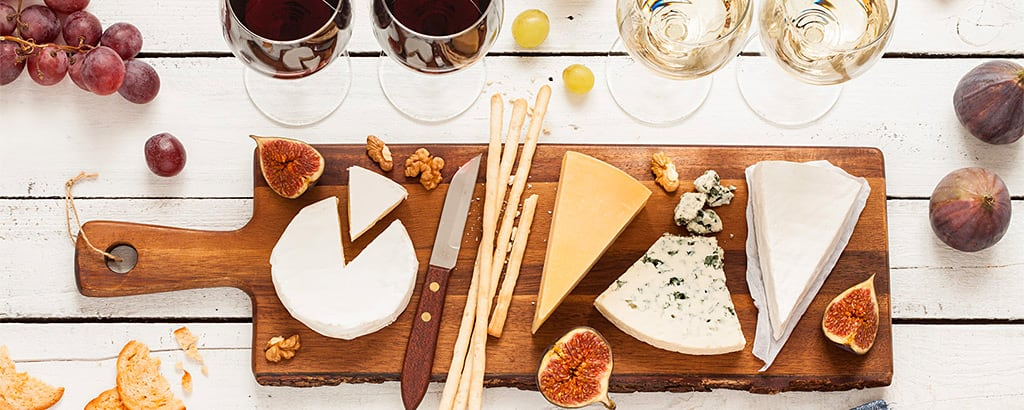 Welcome with cheese & wine